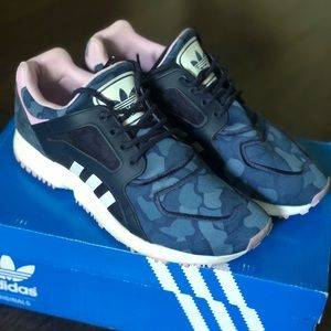Adidas Originals Racer Lite Blue Camo Women's 6.5